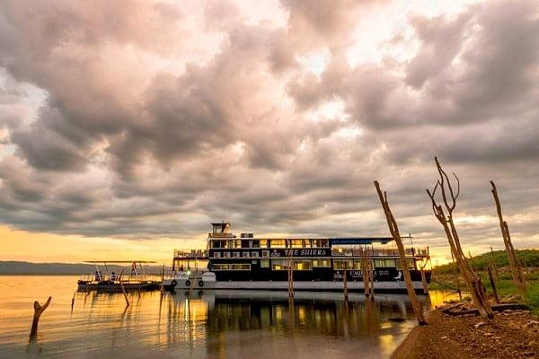 A cruise on Lake Kariba makes a novel addition to a Southern Africa safari